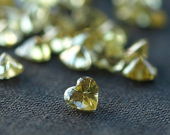Citrine CZ Heart Shape Cubic Zirconia Sunny Yellow Loose Faceted Stones 4mm 10 pieces