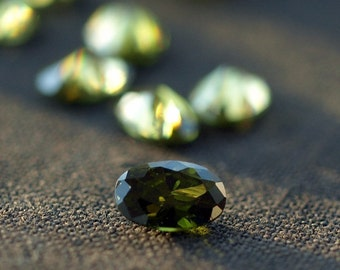Peridot CZ Loose Faceted Cubic Zirconia Oval Shape Sparkly Gemstones 6mm 10 pieces