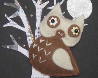 Au Lait the Owl Felt Brooch Pin