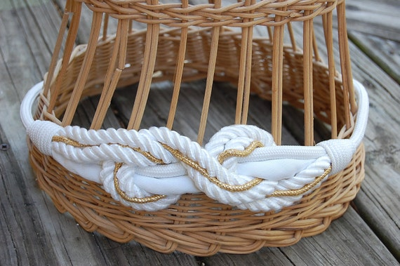 Vintage 80s White and Gold Twisted Knot Rope Belt