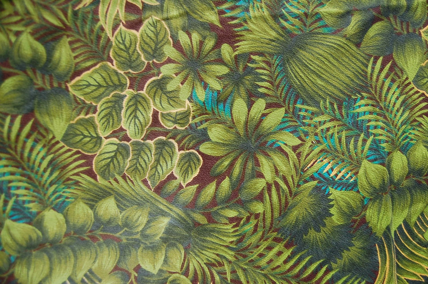 Vintage 85 Inch Round Tropical Barkcloth Tablecloth Green