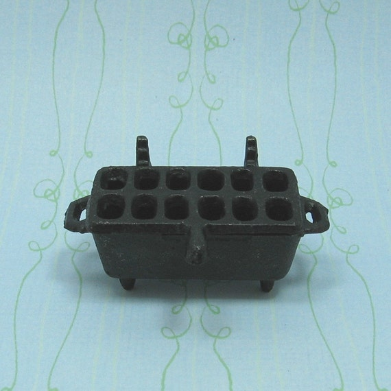 Miniature dollhouse size cast iron hibachi grill by beadcharmed