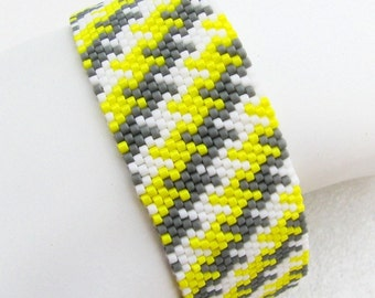 Sunshine on a Cloudy Day Houndstooth Peyote Cuff (2451) - A Sand Fibers Creation