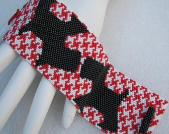 Scotties on Houndstooth Peyote Cuff Bracelet (2459) - A Sand Fibers Creation