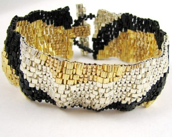 Corrugated Color Ribbon in Black, Gold, and Silver Peyote Cuff (2557) - A Sand Fibers Made-to-Order Creation