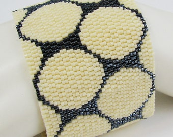 Cream and Gunmetal Punchinella Peyote Cuff / Peyote Bracelet (2587) - A Sand Fibers Creation