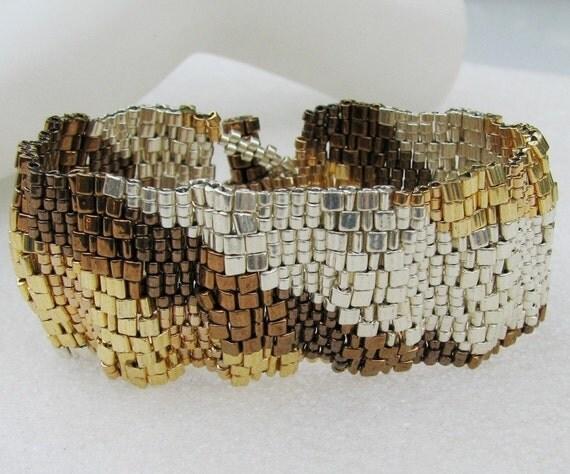 Corrugated Mixed Metals Color Ribbon Peyote Cuff (2531)