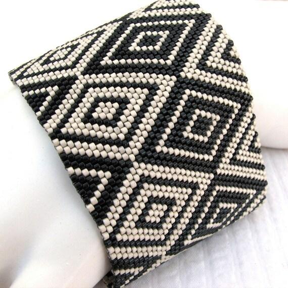 Cubism Diamonds Peyote Cuff / Peyote Bracelet (2375) - A Sand Fibers Made-to-Order Creation