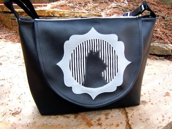 Cameo Kitty Black Vinyl Purse