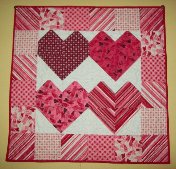 Sweet Hearts wall hanging - Charming Hearts in Chemistry