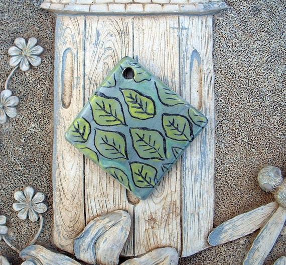 Leaf Pattern Ceramic Pendant