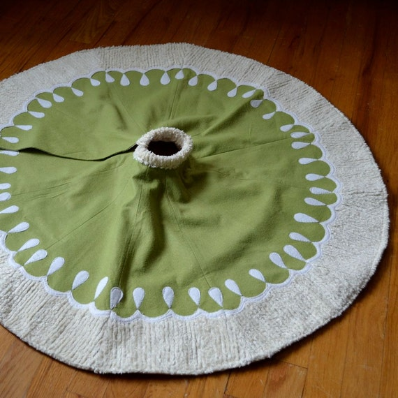 Christmas Tree Skirt - Felt with Chenille and Ivory  Border