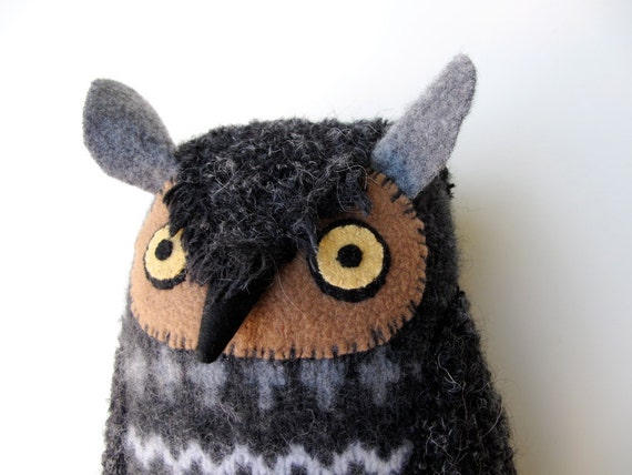 Super soft cashmere owl