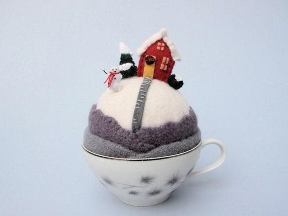 Pincushion Tiny World- snowy hill