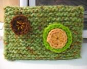 cheli - handknit - oversized wallet (green)