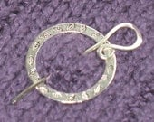 SHAWL PIN Reversible silver with flowers and leaves
