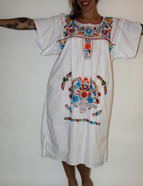 Vintage 70s Embroidered Caftan