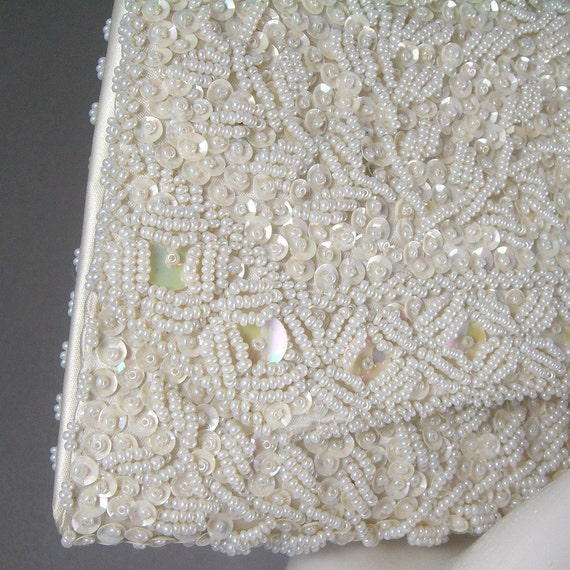 1960s hand beaded clutch purse