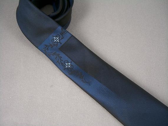 1960s navy blue necktie by Alpi NOS