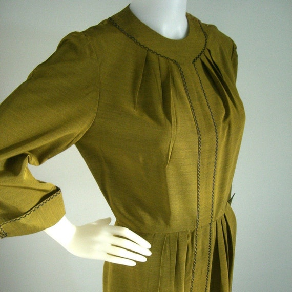 vintage 1940s style day dress