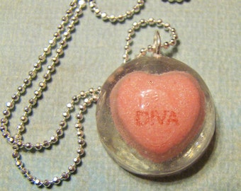 Diva candy heart resin necklace