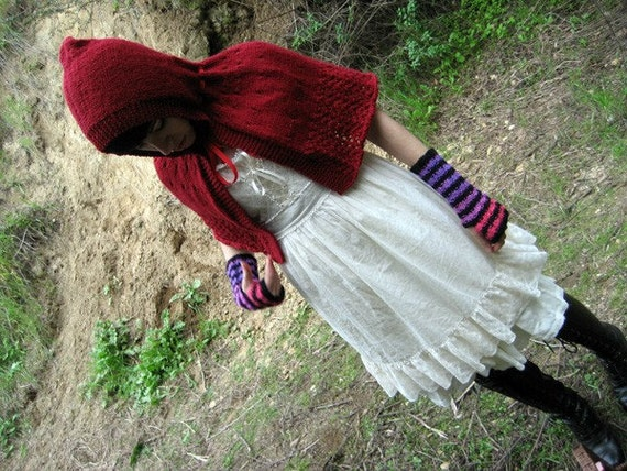 "Little red riding hood, Capelet Knitting Pattern - ""Le Petit Chaperon Rouge"" - PDF instant download"