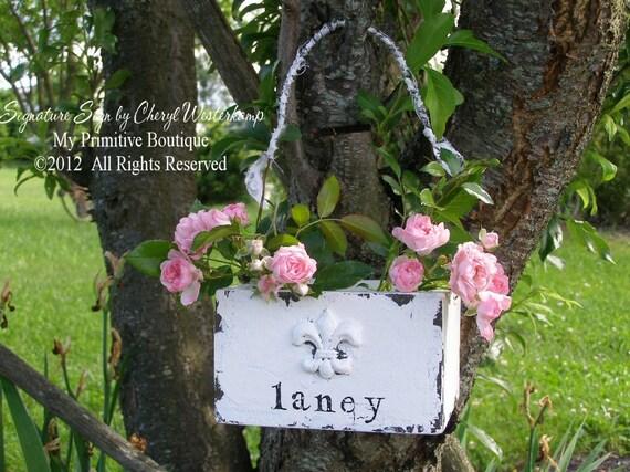 Flower Girl Basket. Fleur De Lis. Wedding Ceremony. Baskets. Shabby Chic Wedding. Wedding Ceremony Decor. Flower Basket. Vintage Decor.