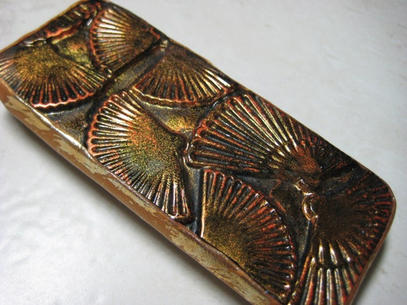 Gorgeous Slide top tin with Japanese Fans design in black, red and gold, perfect Moo card holder