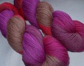 La Reine Margot - virgin wool yarn, handpainted / hand dyed,  fingering weight, 400yds