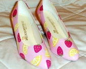 Strawberry Lemonade Hand Painted High Heel Pumps Size 9 Wide