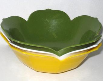 Set of 3 LOTUS Serving BOWLS- Vintage Plastic Bowls- Green Yellow White Bowl- Plastic Serving Dish- Vintage Kitchen Decor- Home Decor