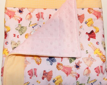 Retro Paper Dolls Quilted Blanket