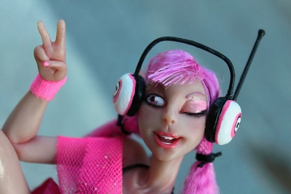 Punky Pink Myxie Sculpture