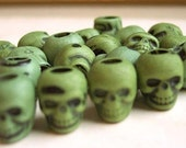20 Altered Winter Green Skull Beads Plastic Goth Halloween Pirate Day of the Dead Lolita ZNE ESST