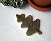Oak Leaf Impression Porcelain Pin, Brooch