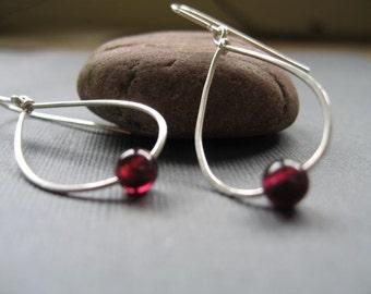 Raindrop earrings with Garnets