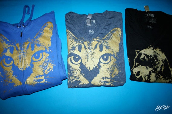 1AEON Custom order - Reserved for Gypsy Hawk  - 1 cat hoodie and 2 v neck tshirts and and wolf size - L