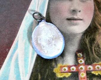 TINY ENAMEL RELGIOUS 1940s Sacred Heart Medal Virgo Carmeli