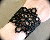 Tatted Lace Cuff Bracelet - Ottagono