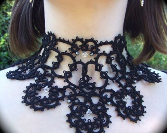Tatted Lace Collar Necklace - Portrait of an Elegant Lady