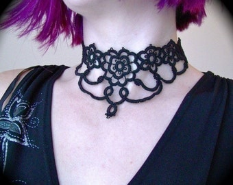 Tatted Lace Choker Necklace - Grand Victorian Daisy