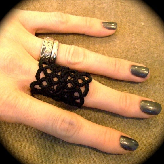 Tatted Lace Ring - Double Wide Weave