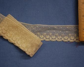 Dainty vintage cotton net lace