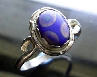 Rainbow Spotted Glass Flower Ring in twisted sterling silver size 8 polka dots on royal sapphire blue