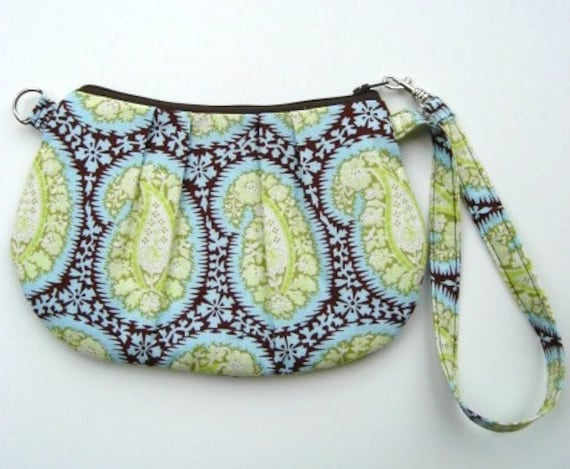 The Convertible Wristlet in Paisley Row