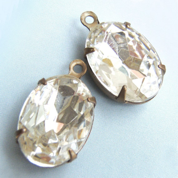 Crystal, Vintage Rhinestone, Oval, 14mm, 10mm, Patina Brass Settings, Glass, Jewel, One Pair, One or Two Ring, Worldwide Shipping