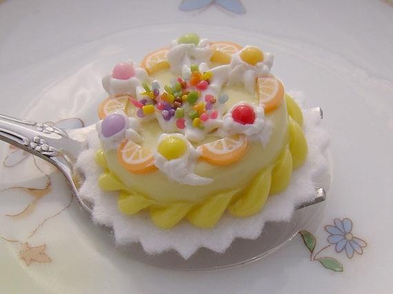 SWEETHEART CAKE PENDANT