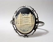 ARCHITECTURE MODERN TRAVEL: London Bridge Cameo Fashion Cuff Bracelet.