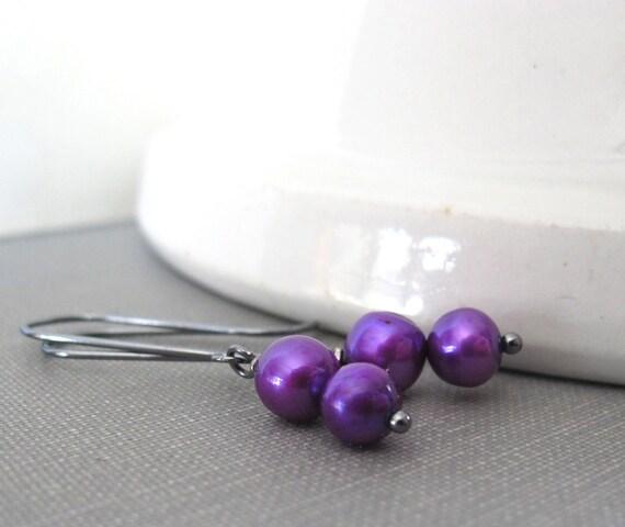 Pearl Earrings, Purple Pearls, Silver Earrings, Purple Pearl Duo, Dangle Earrings, Sterling Silver, Pearl Jewelry, Silver Jewelry