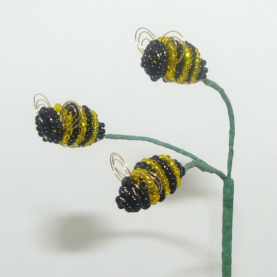 Bumblebee trio plant stick for your beaded or artificial for Artificial bees for decoration